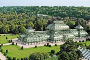 https://marjanvanaubel.com/wp-content/uploads/2017/11/dam-images-architecture-2015-08-beautiful-greenhouses-most-beautiful-greenhouses-01.jpg